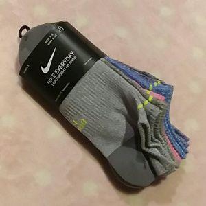 Womens Nike Socks